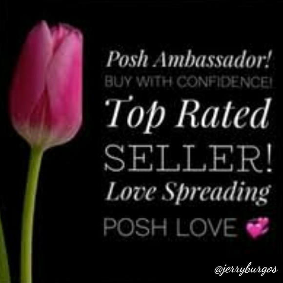 I am a Poshmark Ambassador 💝💝💝